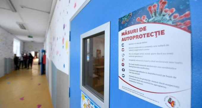 Aproape 3 milioane de elevi şi preşcolari încep cursurile anului şcolar 2020-2021 în condiţii de pandemie – Esential