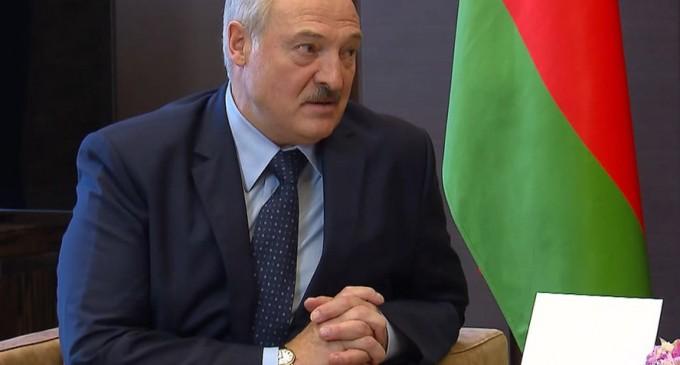 """The New York Times: """"Durul"""" controversat din Belarus pleacă în Rusia căutând ajutor de la Putin – International"""