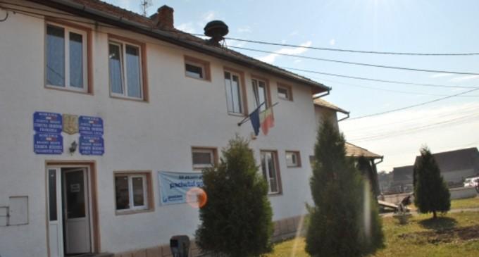 Locuitori dintr-un sat brașovean nu pot vota. Cărțile de identitate sunt gaj la magazin pentru că au cumpărat alimente pe datorie – Esential