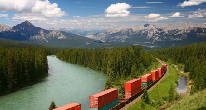 Trump își dă aprobarea pentru o cale ferată de 17 miliarde dolari între Alaska și provincia canadiană Alberta – Industrie Feroviara