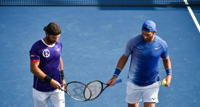ATP Hamburg: Horia Tecău și Jean-Julien Rojer, în sferturi după ce principalii favoriți au abandonat în tiebreak-ul primului set – Tenis