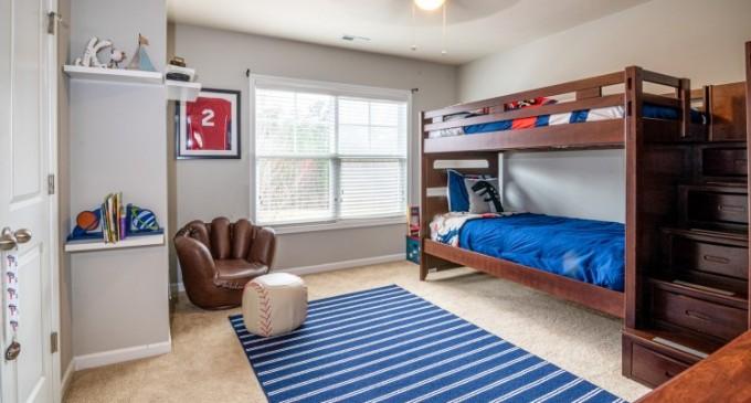 5 obiecte de mobilier care nu trebuie să lipsească din camera unui adolescent