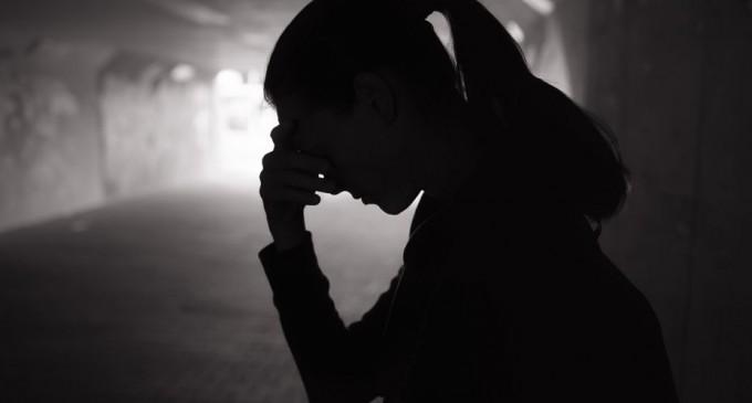 O rețea de proxeneți condusă de o familie de români care lua fete din România pentru a le obliga să se prostitueze în Franța a fost destructurată – International