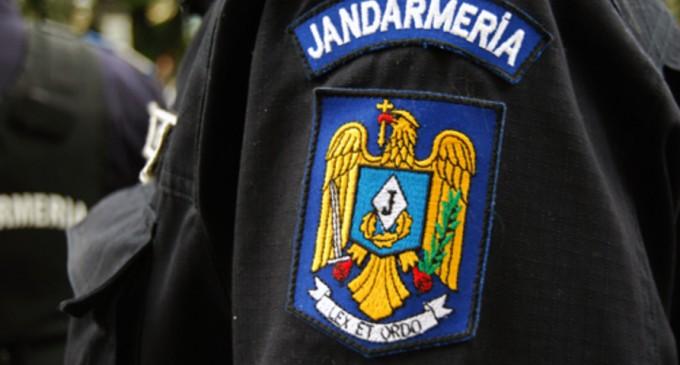 """Jandarmeria București: """"Încăperea în care sunt depozitate materialele electorale a fost desigilată la cererea președintelui biroului electoral. Jandarmul a întocmit proces verbal de predare-primire a încăperii respective"""" – Politic"""