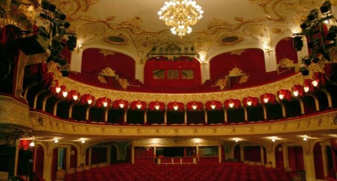 FAZ: Lăsați teatrele deschise! – International