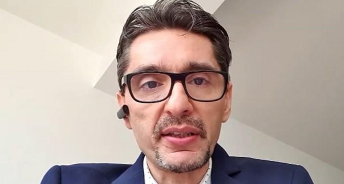 """Experții au păzit OUG-urile noaptea în Monitorul oficial. """"Răsplata"""": autoritățile i-au exclus inițial de la microgranturi, iar când i-au inclus, au închis sesiunea. Interviu cu Cornel Grama – Finante & Banci"""