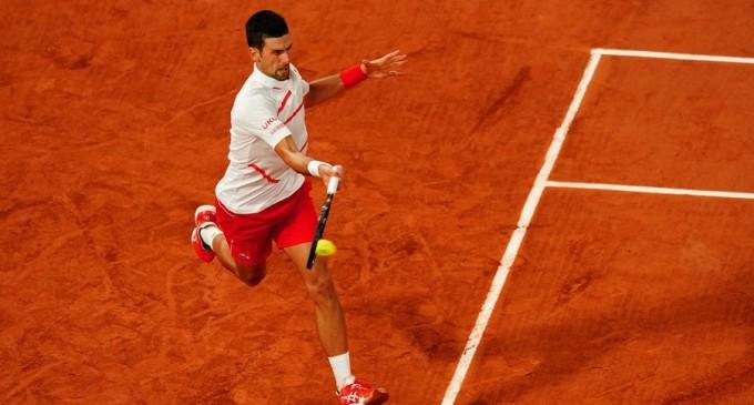 VIDEO Bun la casa omului – Ce face Novak Djokovic când începe să plouă la Roland Garros – Tenis