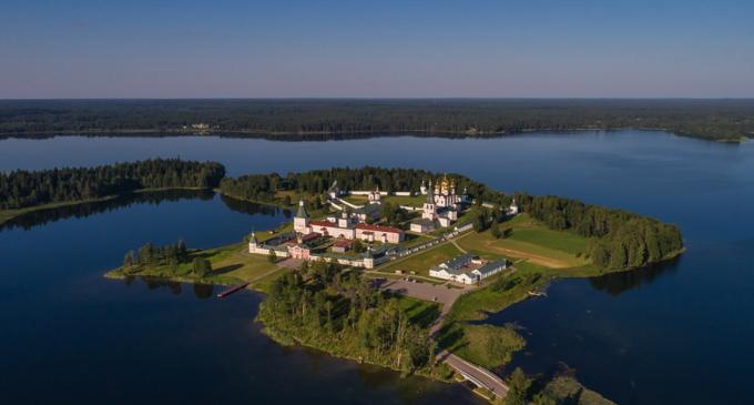 Au săpat un tunel pentru a fura o icoană donată de Putin unei mănăstiri – International