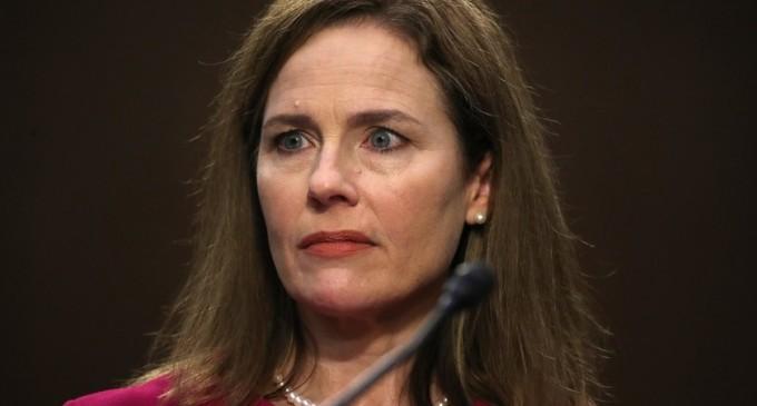 """Judecătoarea Amy Barrett: Posibilitatea unui preşedinte de a se graţia singur, o """"întrebare deschisă"""" – International"""
