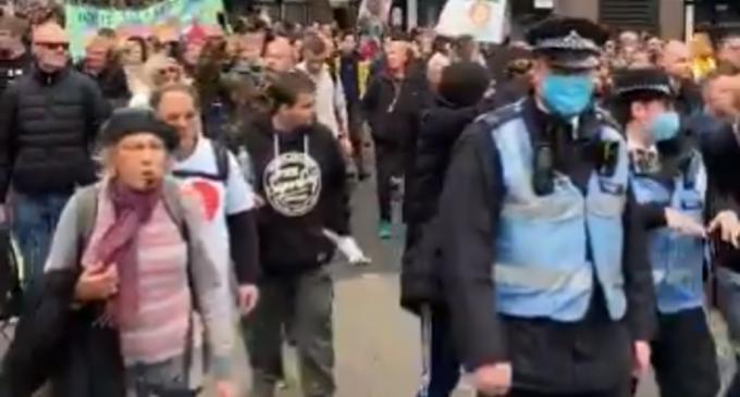 Coronavirus: Mii de persoane au participat la un protest împotriva restricţiilor la Londra – Coronavirus