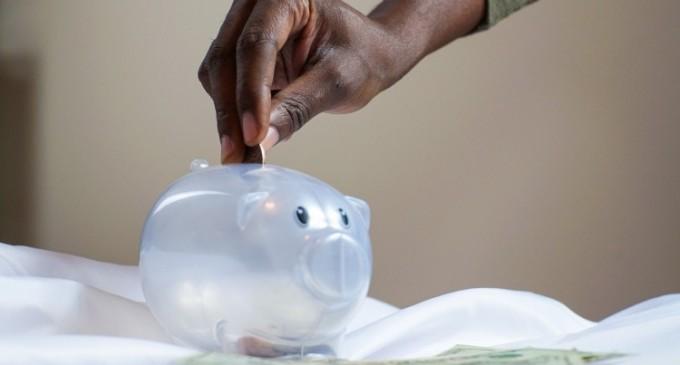 5 trucuri financiare pe care sa le aplici daca iti doresti sa economisesti bani