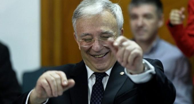 Paiata Manole a dat unda verde unei marionete de la BNR sa imprastie frica in populatia si economia Romaniei, amenintand, in plina criza economica si in recesiune deplina cu represiune financiara la adresa economiei din Romania
