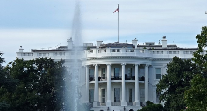 Șeful de cabinet de la Casa Albă, testat pozitiv pentru Covid-19 / Meadows a călătorit cu Trump duminică și luni – International