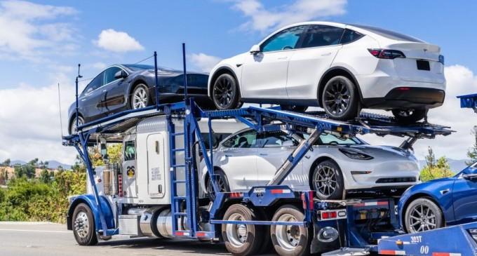 O Tesla în valoare de peste 50.000 de euro, furată în Norvegia, a fost găsită în Suceava – Esential