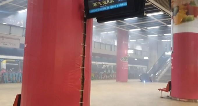 VIDEO Circulația pe magistralele 1 și 3 de metrou, îngreunată. O garnitură a început să scoată fum în stația Unirii – Esential