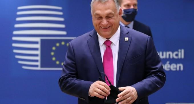 Le Monde: Non-sensul politic al Poloniei și Ungariei