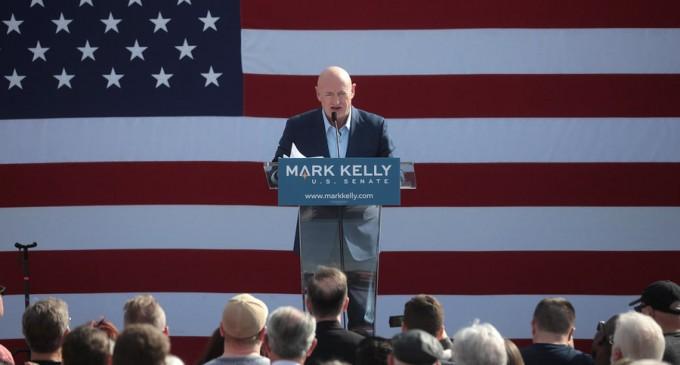 Alegeri SUA 2020 Cine este Mark Kelly, astronautul NASA ales în Congresul american – Alegeri SUA 2020