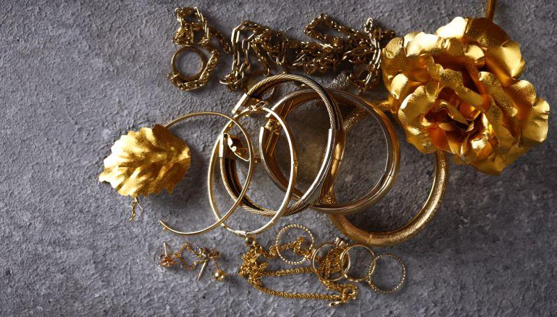 investitia in aur si argint