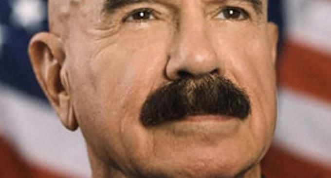 G. Gordon Liddy, unul dintre organizatorii jafului de la Watergate care a dus la căderea preşedintelui Nixon, a murit – International