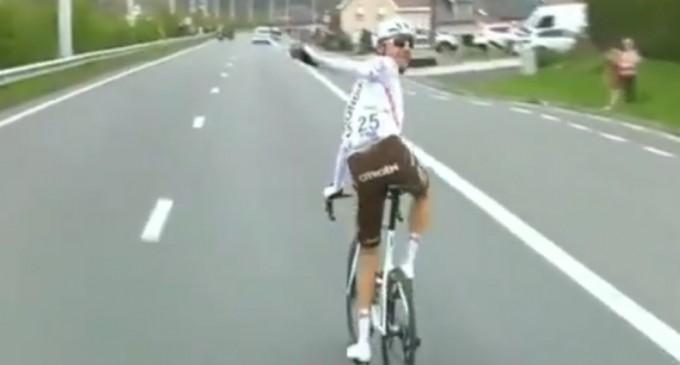 VIDEO Faza zilei: Motivul greu de crezut pentru care un ciclist a fost eliminat din Turul Flandrei – Alte sporturi