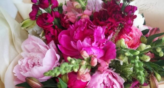 Comandă buchete de flori realizate cu dragoste