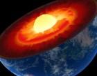 Digi24: Nucleul Pământului crește asimetric, modificând câmpul magnetic. Descoperirea ar putea rezolva un mister vechi de 30 de ani – Terra