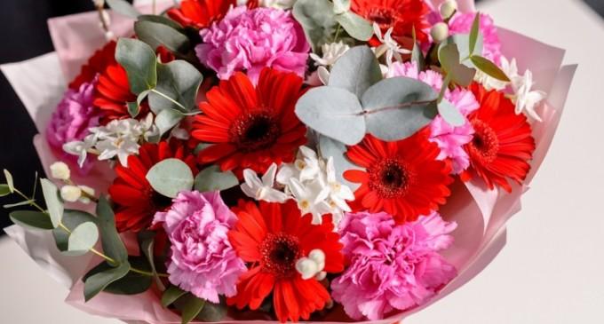 Care sunt cele mai frumoase flori de toamnă şi cui le poţi oferi?